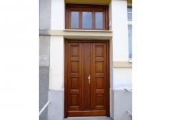Dveře venkovní z masivu