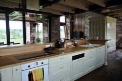 Detail kuchyňského pultu ve stylu provence