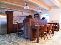 Kuchyně z masivu M2