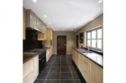 Kuchyně z masivu M8